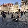 中世の街並みとクラシック音楽