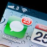 SMSを使った巧妙な詐欺「スミッシングの被害」が急増中!スマホが丸裸に