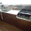 調理台の上に何も置かない。モノをなくすと、めんどくささも取り除かれる。