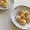サツマイモ、もち粉、お豆腐で月見団子。