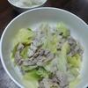 豚肉とキャベツ、玉ねぎの炒め物。