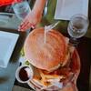 パラワン島No.1のBig size ハンバーガーに挑戦!? 親子でビックリ