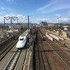 東福寺駅から北に徒歩5分強のところにあるベストポジションな陸橋から子どもと一緒に新幹線を見てきた