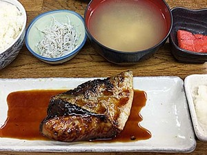 漫画『孤独のグルメ』に登場!渋谷「魚力」の季節限定ブリ照焼定食。ごはん不足が当選確実?おかわり自由で満腹確実!!
