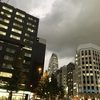 暗雲 新宿の空