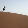 砂漠で「砂遊び」が楽しい