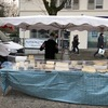 陽気なフランスの市場の人々