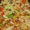 豚ばら肉とキャベツ、トマトの塩こうじ焼き