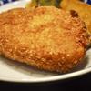 豊洲の「米花」でポテトコロッケ、まぐろ刺身、大根と昆布の煮物。