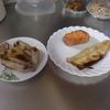 幸運な病のレシピ( 2004 )朝:鮭、塩サバ、鳥手羽(フライパンで焼き)、味噌汁(大根)、マユのご飯
