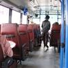 プノンペンの定期運行バス。