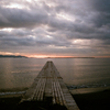 那古桟橋の夕暮れを写ルンですで撮る