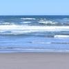 渚のサーフ物語。「乾いた海辺が恋しくもなる梅雨の時季。雨に濡れる海辺を思って晴れ間を探す夏の頃」の巻。