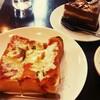 【白十字】国立、昔ながらの喫茶店でピザトーストランチ