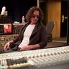 """クリス・コーネル""""最後のアルバム""""がリリース、プリンスの「Nothing Compares 2 U」カバーに泣く"""