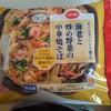 co-op「オイスターソース香る海老と炒め野菜の中華焼きそば」レンジ一発焼きそば便利。