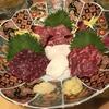 関内・吉田町『熊本馬料理 うまかつ』横浜エリア随一の霜降り馬刺しに舌鼓を打つ。郷土料理もそつなく旨い良店です。