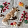 きつねと秋のリースの羊毛フェルト刺しゅう