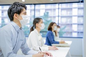 【企業向け新型コロナウイルス対策情報】第36回~社内研修、採用イベント時の感染対策