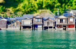 もうひとつの京都観光名所「伊根の舟屋」とは?