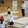 3年生:体育 開脚前転のテスト