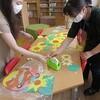 図書館ボランティア:図書館に夏の掲示物