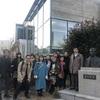 大学院「立志人物論」のフィールドワークは「漱石山房記念館」見学。このメンバーでの人物記念館訪問を続けることになった。
