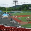 人工芝の工事が進むオリンピック会場、あずま球場現地調査