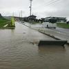 台風被害で道路が冠水、高速道路もできるし心配