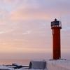 【観光】ガイドブックには載っていない名所へ!灯台と冬のバルト海の夕暮れ
