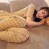 桐谷美玲、すっぴんでソファに寝転ぶ姿に反響「旦那さんが撮った?」