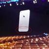 WWDC 2014の発表イベント準備中に撮影された映像にiPhone6かもしれない謎のデバイス