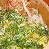 丸亀製麺でネギと天かすを入れまくって高カロリー摂取!!