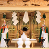 しめ縄付きの神棚 エッジの効いたガラス箱宮神殿 小型サイズの祭り例