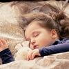 3歳の娘が夜中にいびきをかく。原因や改善するための対処法は?