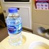 中距離LCCに初めて乗ったら、とにかく喉が渇いて腹が減った件について。