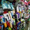 プラカノンは偉い活気があるでぇ。怪しい電気や雑貨屋なども、普通に開いてるやん!