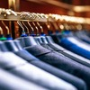 1000円の服を10着買うか、1万円の服を1着買うか。あなたはどっち派?