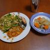 幸運な病のレシピ( 941 )昼:焼うどん(ほうれん草入り仕立て直し)、モツトマト煮込み、丸干しイワシ、鮭、おでん