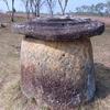 カンボジア・ラオスの旅 [13] / さまざまな石壺・祭壇への祈り / そして繋がる歴史