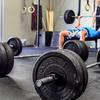 パワーを増大させるためには最大筋力を向上させることが重要になる(70~120%1RMの負荷で行った24週間の高強度の筋力トレーニングの後、パワー発揮能力の代表的指標である垂直跳びのパフォーマンスが7%向上した)