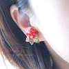 真っ赤なイヤリング、お写真を入れ替えました(*^^*)