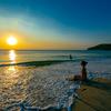 美しい夕日に乾杯@プーケットカロンビーチ