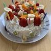 【バースデーケーキ】子供たちが飾りつけ