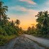 人生は道路のようなものだ。一番の近道はたいてい悪い道だ。