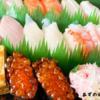 お寿司屋さんも時間短縮営業で席には客がいない