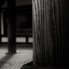法隆寺回廊連子窓の陰影