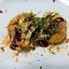 野菜たっぷり、外はカリッと中はトロトロなたこ焼きの作り方。