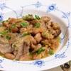 豚肉とうずら豆の煮込み