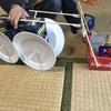 空き箱、割りばし、紙皿でブルドーザーを作りました。